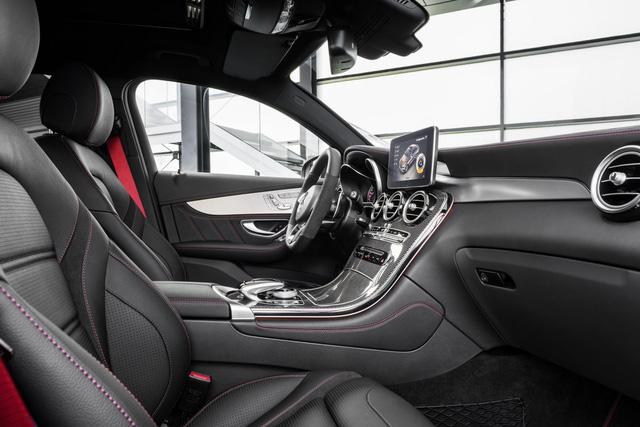 Dự kiến, Mercedes-AMG GLC 43 4Matic Coupe sẽ chính thức trình làng trong triển lãm Paris năm nay. Sau đó, xe sẽ có mặt trên thị trường châu Âu vào tháng 12 năm nay. Thị trường Mỹ và các quốc gia khác sẽ phải chờ Mercedes-AMG GLC 43 4Matic Coupe đến quý I năm sau. Hiện giá bán của Mercedes-AMG GLC 43 4Matic Coupe vẫn chưa được công bố.