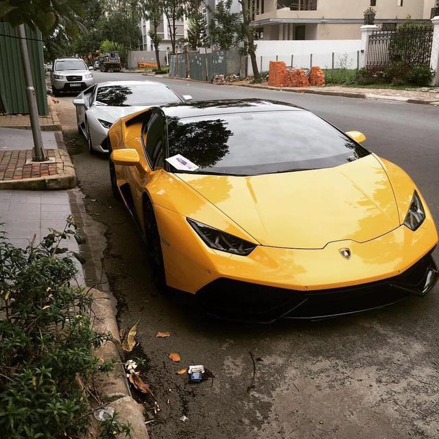 Trước đó tay chơi siêu xe đình đám đã tậu siêu xe Lamborghini Huracan LP610-4 tứ quý 8 khá nổi tiếng tại thị trường Việt Nam. Ảnh: Quốc Cường.