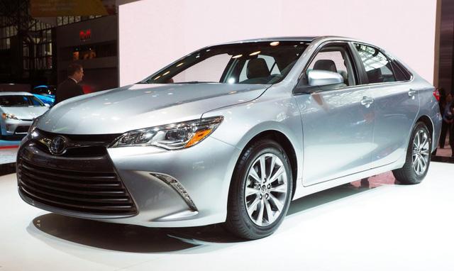 4. Toyota Camry: 429.355 chiếc