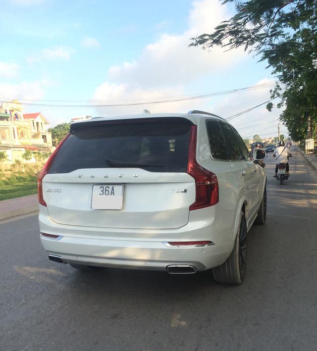 Volvo XC90 T6 AWD Inscription 2016 vừa xuất hiện trên đường phố Thanh Hóa.