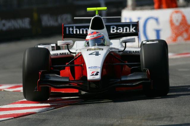 Dallara GP2/08 lăn bánh trong 3 mùa giải GP2. Xe thu hút ánh nhìn của các tín đồ tốc độ bởi thiết kế gầm xe thấp, cánh gió phía sau rộng cùng cánh gió phía trước xếp tầng.
