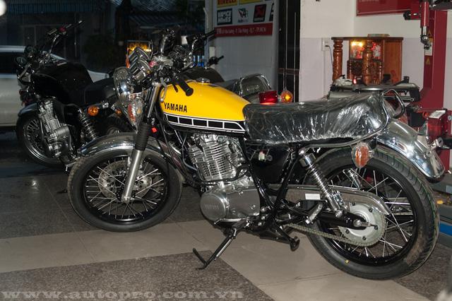 Những chiếc Yamaha SR400 được trình làng lần đầu tiên vào năm 1978 tại Nhật Bản, 36 năm sau những chiếc SR400 mới vươn ra thị trường mô tô ở châu Âu, châu Mỹ và châu Đại Dương.