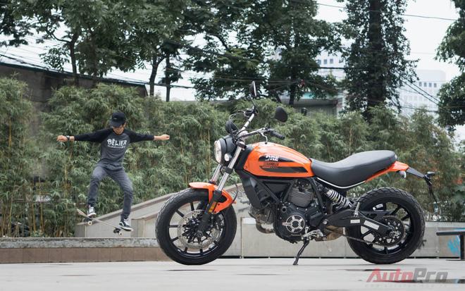 Ducati Scrambler Sixty2 sinh ra gắn liền với các trò chơi thể thao đường phố
