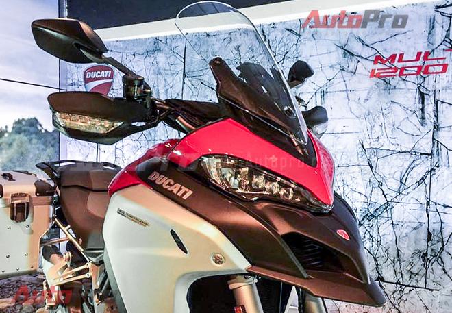 Cách làm này hoàn toàn giống với việc Ducati từng làm với phiên bản Multistrada 1200 tiêu chuẩn và bản S ra mắt hồi cuối năm ngoái. Hai mẫu xe anh em này có giá khoảng 700 triệu đồng tại Việt Nam.