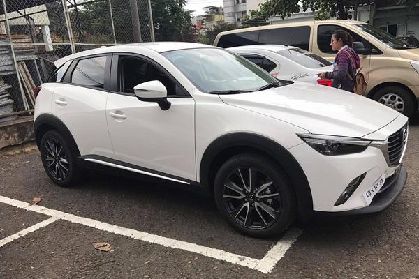 Mazda CX-3 2017 đi đăng ký biển số tại Sài Gòn
