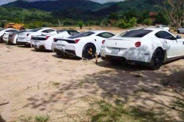 Lộ diện bộ sưu tập siêu xe Ferrari cực