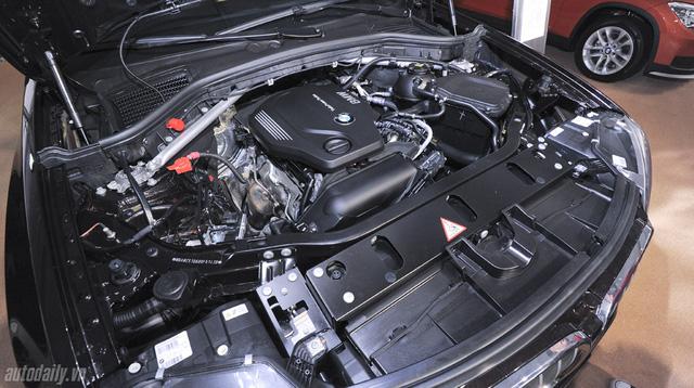 Dưới nắp capô của BMW X3 máy dầu là khối động cơ 4 xi-lanh dung tích 2.0 lít