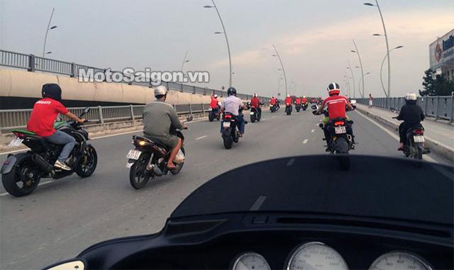 Đội hình đón dâu với sự tham gia của Câu lạc bộ Ducati.