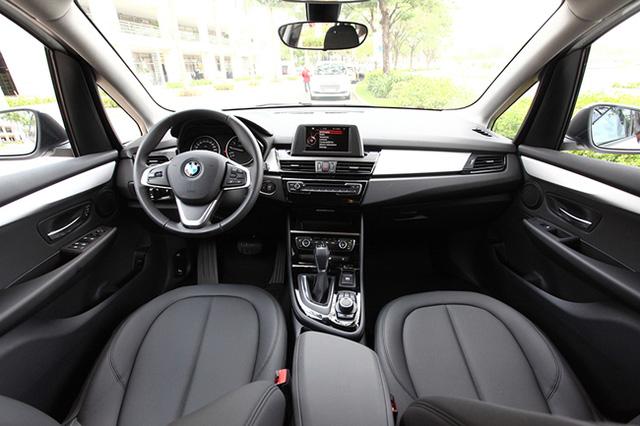 Nội thất khá đặc trưng của những dòng xe BMW