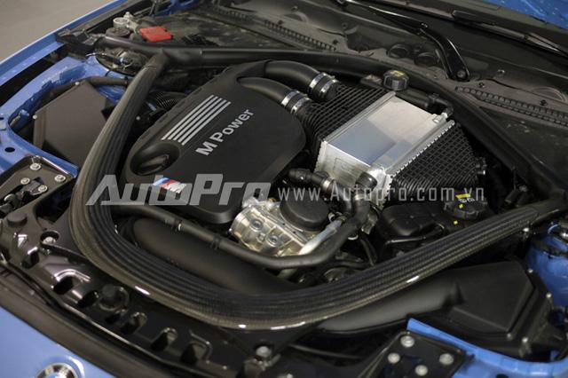Khối động cơ dung tích 3L được trang bị trên BMW M3.