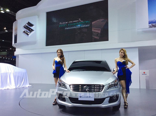 Dan mau xe khung tai trien lam Bangkok 2015