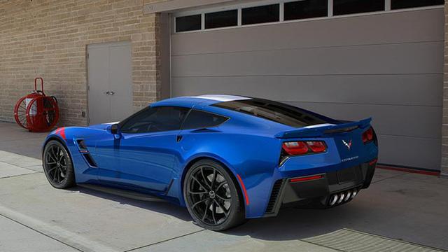 ... và Chevrolet C7 Corvette Grand Sport.