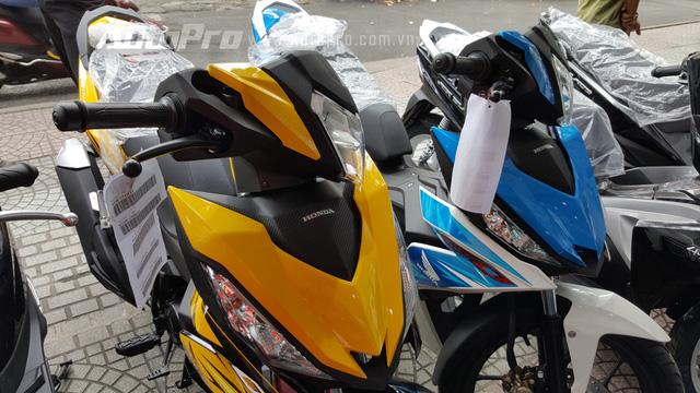 Giá bán dành cho 3 màu mới của Honda Winner 150 dao động trong 51 triệu Đồng, bao gồm cả giấy tờ.