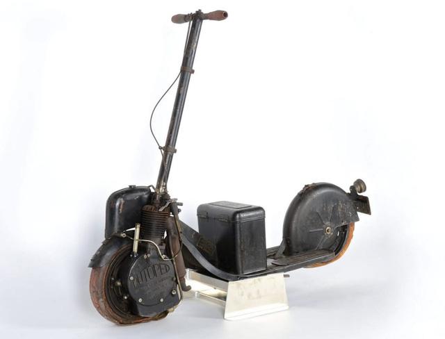 Nguyên bản của chiếc scooter được xem là đầu tiên trên thế giới - Automoped.