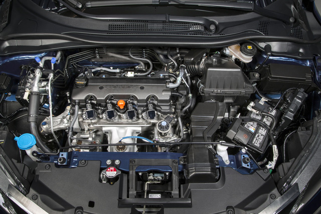 Toàn bộ dòng Honda HR-V 2017 tại Mỹ vẫn dùng động cơ xăng 4 xy-lanh, dung tích 1,8 lít, sản sinh công suất tối đa 141 mã lực và mô-men xoắn cực đại 172 Nm như cũ.