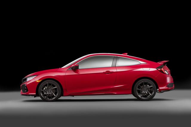 Hôm nay, ngày 16/11, triển lãm Los Angeles 2016 đã chính thức khai mạc. Trong triển lãm này, hãng Honda tiếp tục giới thiệu một thành viên mới của dòng Civic thế hệ thứ 10, mang tên Si. Trên thực tế, Si là phiên bản thể thao hơn của dòng Honda Civic thế hệ mới.