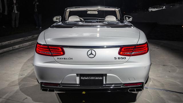 Hiện giá bán của Mercedes-Maybach S650 Cabriolet vẫn chưa được công bố. Tại thị trường châu Âu, Mercedes-Maybach S650 Cabriolet dự kiến có giá khởi điểm 300.000 Euro, tương đương 320.000 USD.