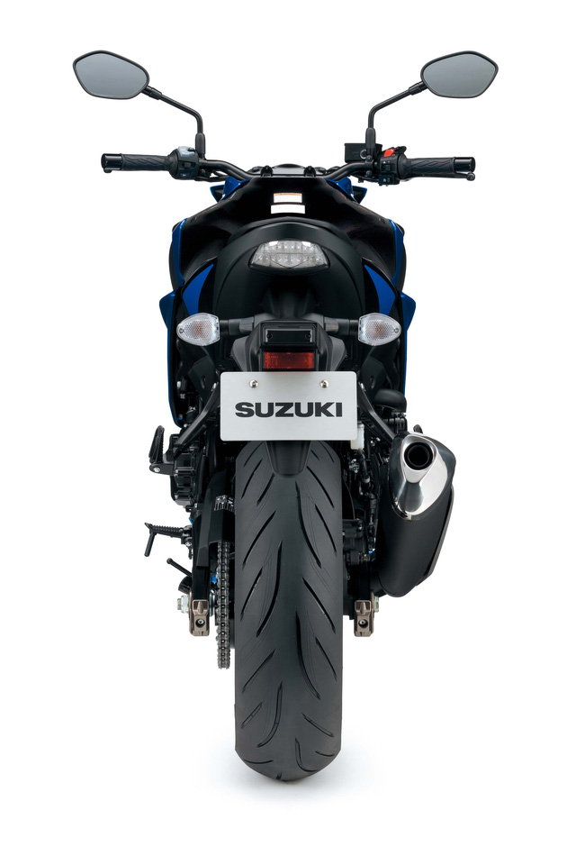 Suzuki GSX-S750 2018 được chia thành 2 phiên bản, bao gồm tiêu chuẩn và GSX-S750Z có ABS.