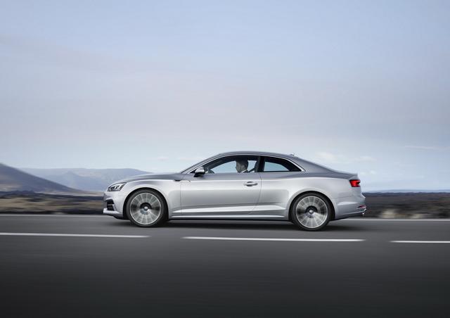 Theo ông Anthony Garbis, giám đốc sản phẩm của Audi Mỹ, A5 và S5 Coupe thế hệ mới có thiết kế hầm hố hơn trước nhờ đường gân bên sườn mạnh mẽ, lưới tản nhiệt mở rộng cùng vòm bánh khác biệt.