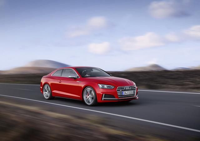 Vào hồi tháng 6 năm nay, hãng Audi đã tung ra những thông tin chi tiết của A5 Coupe thế hệ mới tại thị trường châu Âu. Mãi đến nay, hãng Audi mới công bố A5 Coupe 2018 dành cho thị trường Mỹ, bao gồm cả S5 Coupe.