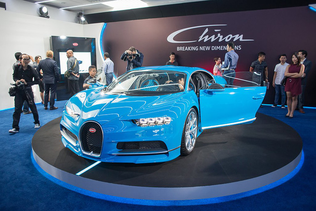 Việc giới thiệu Chiron tại Singapore đã cho thấy sự coi trọng thị trường Đông Nam Á của hãng Bugatti, ông Stefan Brungs, thành viên ban bán hàng, tiếp thị và dịch vụ khách hàng của Bugatti, khẳng định.