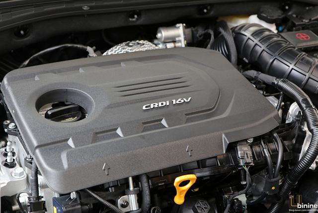 Tại thị trường châu Âu, Hyundai i30 2017 được trang bị 3 loại động cơ xăng và 3 loại động cơ diesel khác nhau. Đầu tiên là động cơ xăng MPI 1,4 lít với công suất tối đa 99 mã lực và mô-men xoắn cực đại 134 Nm. Thứ hai là động cơ xăng T-GDi 3 xy-lanh, dung tích 1.0 lít có công suất tối đa 118 mã lực và mô-men xoắn cực đại 170 Nm. Con số tương ứng của động cơ xăng T-GDi 4 xy-lanh, tăng áp, dung tích 1,4 lít là 138 mã lực và 242 Nm.