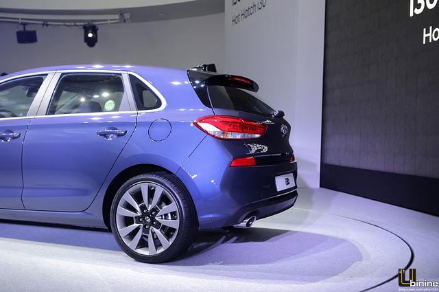 Theo đánh giá của nhiều người, Hyundai i30 2017 mang thiết kế trưởng thành hơn và đậm chất châu Âu.