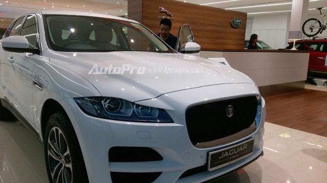 Jaguar F-Pace về Việt Nam sẽ cạnh tranh với Audi Q5, BMW X3 và Porsche Macan.