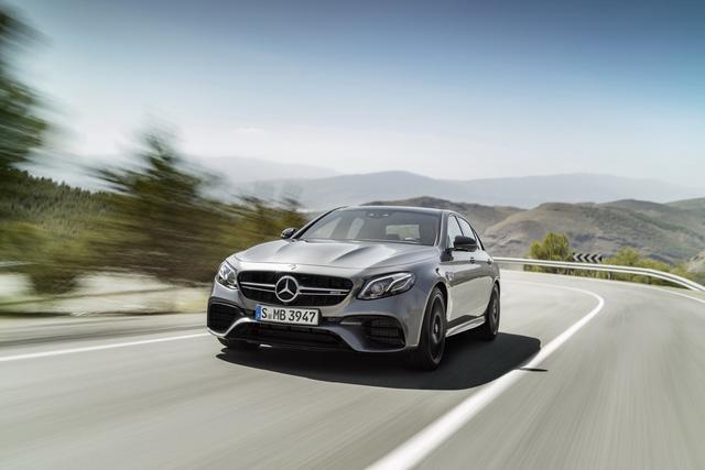 Bộ phận chuyên phát triển xe hiệu suất cao Mercedes-AMG đã chính thức ra mắt thế hệ mới của E63 và E63 S dưới dạng phiên bản 2018. Trong đó, Mercedes-AMG E63 S 2018 là thành viên nhanh và mạnh nhất của dòng E-Class từ trước đến nay.