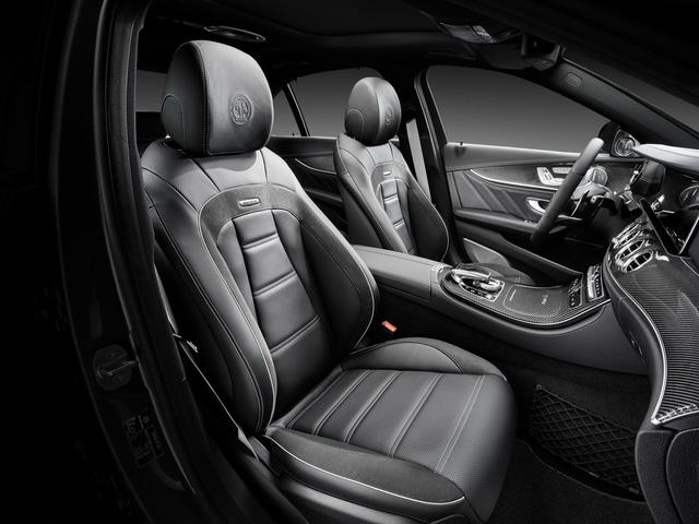Dự kiến, Mercedes-AMG E63 2018 sẽ được bày bán trên thị trường châu Âu vào tháng 3 năm sau. Đến mùa hè 2017, xe sẽ có mặt trên thị trường Bắc Mỹ. Vào năm sau, Mercedes-AMG E63 2018 còn được bổ sung thêm phiên bản station wagon.