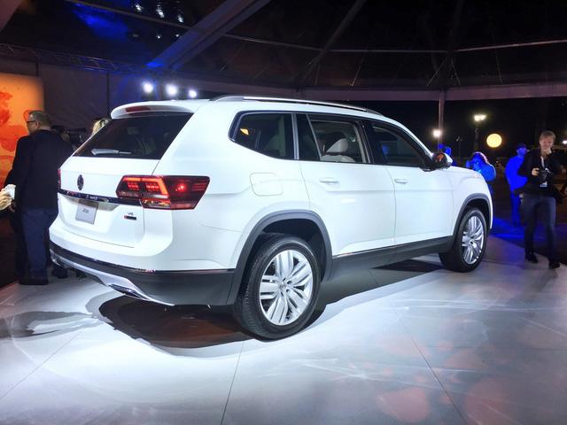 Mục tiêu khi phát triển Atlas 2018 của hãng Volkswagen là đáp ứng nhu cầu mua xe SUV gia đình của người tiêu dùng Mỹ. Đối thủ cạnh tranh của Volkswagen Atlas 2018 sẽ là mẫu crossover 7 chỗ Mazda CX-9 quen thuộc.