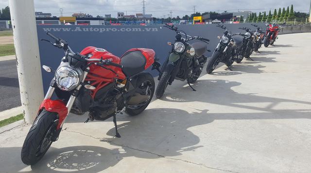 Một đoàn Ducati Monster 821, Scrambler và Multistrada 1200 cũng được đem đến trường đua mô tô Happy Land để các biker Việt có thể trải nghiệm.