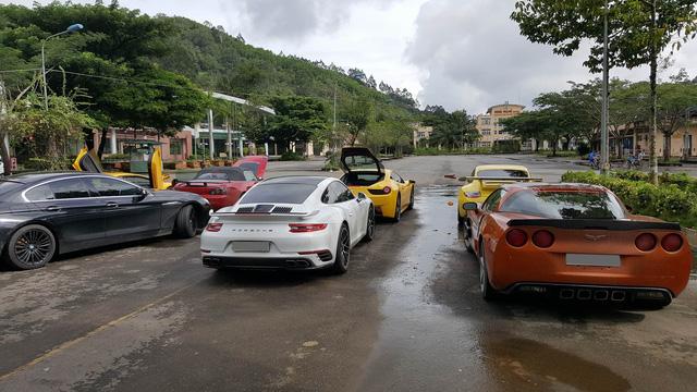 Đoàn siêu xe Việt Nam Team