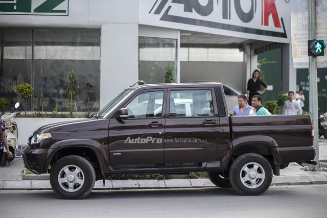 Mẫu xe bản tải đầu tiên của Nga với tên gọi Uaz Pickup đã chính thức về tới Hà Nội. Theo thông số được cung cấp, mẫu xe Uaz Pickup này có kích thước DxRxC là 5.125 x 2.110 x 1.915mm. Trong đó chiều dài cơ sở là 3.000mm