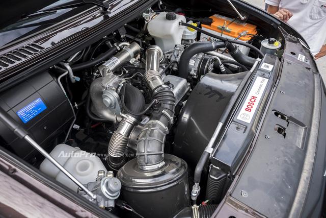 Bên dưới nắp ca-pô của Uaz Pickup là khối động cơ dầu dung tích 2.2L có khả năng sản sinh công suất tối đa 113 mã lực tại vòng tua máy 3.500 vòng/phút và mô-men xoắn cực đại đạt 270 Nm tại vòng tua từ 1.800-2.800 vòng/phút.