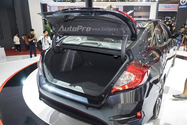 Honda Civic thế hệ mới có khoang hành lý lên tới 424 lít, tăng 74 lít so với thế hệ cũ.