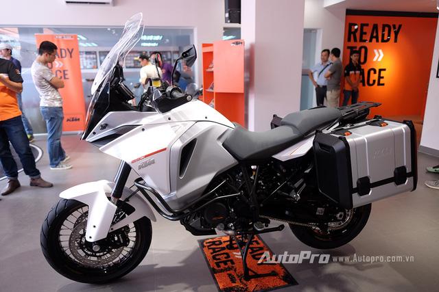 KTM 1290 Super Adventure có giá 730 triệu đồng.