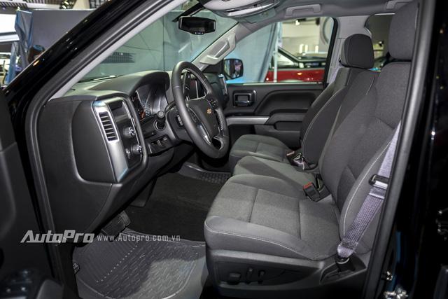 Cận cảnh chi tiết Chevrolet Silverado 2017 từ ngoại thất đến nội thất 10