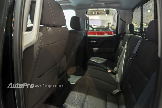 Cận cảnh chi tiết Chevrolet Silverado 2017 từ ngoại thất đến nội thất 16