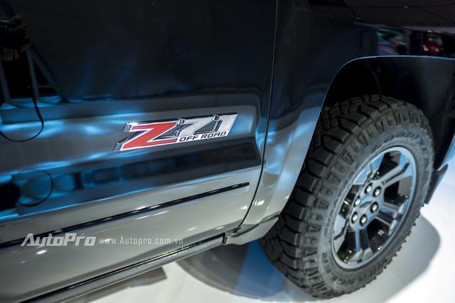Cận cảnh chi tiết Chevrolet Silverado 2017 từ ngoại thất đến nội thất 7