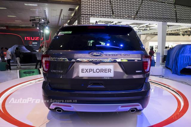 Ford tự tin Explorer sẽ là đối thủ đáng gờm của Toyota Land Cruiser Prado.
