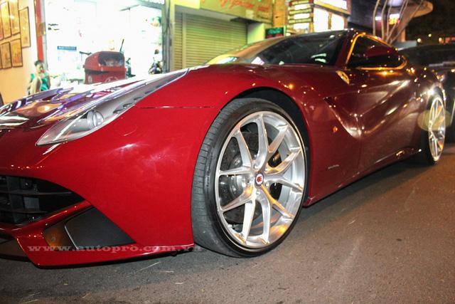 Ferrari F12 Berlinetta độ độc nhất Việt Nam về tay Cường Đô-la - Ảnh 7.