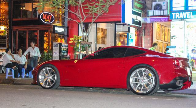 Ferrari F12 Berlinetta độ độc nhất Việt Nam về tay Cường Đô-la - Ảnh 4.
