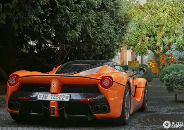 Siêu ngựa triệu USD Ferrari LaFerrari màu độc xuất hiện tại Đức - Ảnh 3.