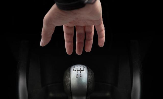 10 thói quen xấu gây hư hại cho ô tô - Ảnh 5.