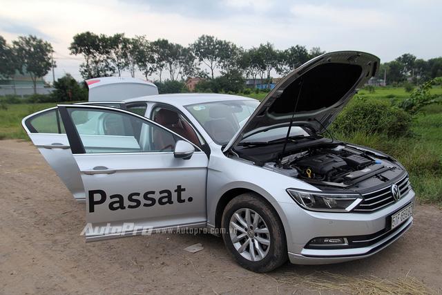 Volkswagen Passat 2016 thuyết phục chúng tôi với cảm giác lái đậm chất Đức.
