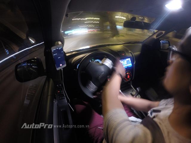 Hệ thống cân bằng điện tử ESC trên Isuzu MU-X bảo đảm những pha vào cua cho người lái.
