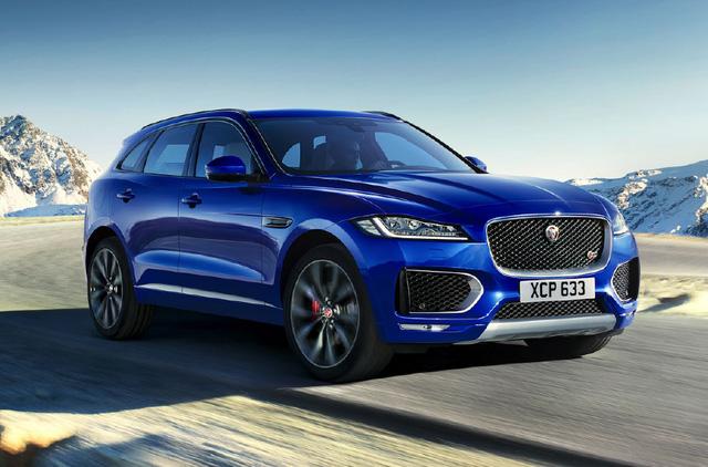 Jaguar F-Pace được trình làng lần đầu tiên trong triển lãm Frankfurt 2015 và được xem như đối thủ nặng ký của những Audi Q5, BMW X3 và Porsche Macan. Về thiết kế xe có ngoại hình bắt mắt với cụm đèn pha pha LED thiết kế sắc cạnh, các chi tiết của lưới tản nhiệt và hốc gió đều được mạ crôm sáng loáng.