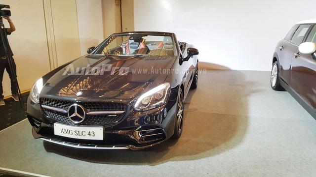 Điểm nhấn của gian hàng Mercedes-Benz tại VIMS năm nay chính là mẫu xe mui trần hạng sang Mercedes-AMG SLC 43 mới.