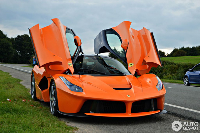 Siêu ngựa triệu USD Ferrari LaFerrari màu độc xuất hiện tại Đức - Ảnh 7.